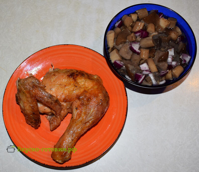 запеченая курица готова