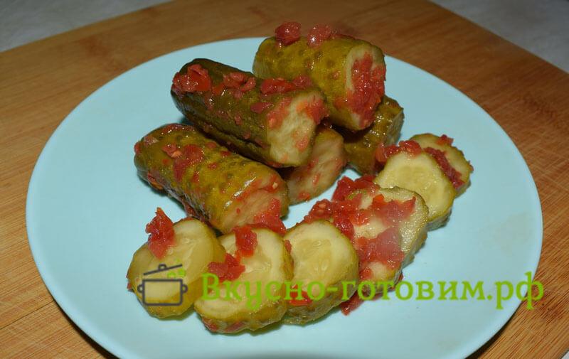 огурцы в томате готовы