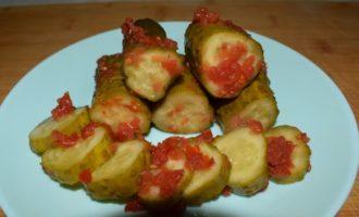 огурцы в томатной заливке